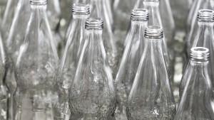 Auch Mineralwasserflaschen werden knapp