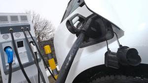 Autohersteller bauen europäisches Super-Schnellladenetz