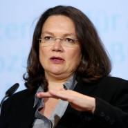 """Arbeitsministerin Andrea Nahles hält das Gesetz zur Rentenangleichung für einen """"historischen Schritt""""."""