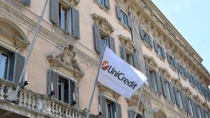 Moody's stuft Unicredit und 12 weitere italienische Banken herab