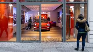 Tesla wegen Irreführung abgemahnt