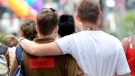 Gleich auch vor dem Arbeitgeber: homosexuelle Paare
