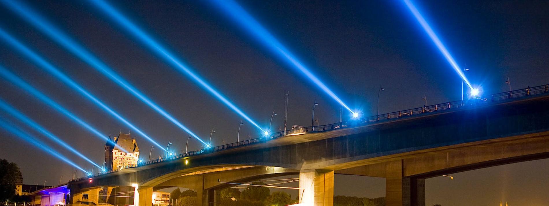 Himmelsscheinwerfer sollen zeitweise verboten werden