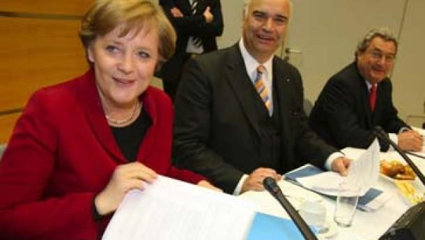 Merkel hält an Mehrwertsteuer-Erhöhung fest