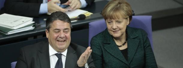 Heute im Bundestag: Sigmar Gabriel freut sich.
