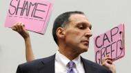 Der Ex-Lehman-Chef ist zurück