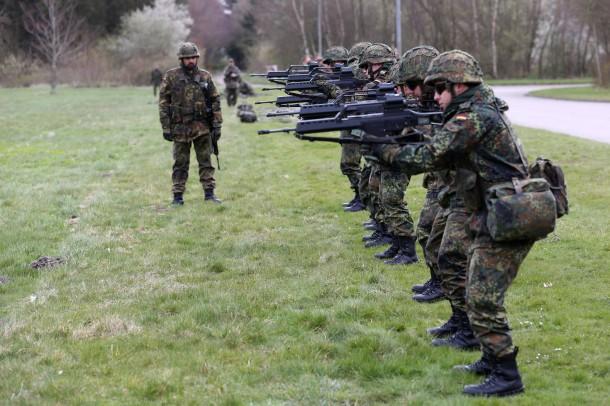Bilderstrecke Zu Beruf Soldat Wie Die Bundeswehr Um Junge Leute
