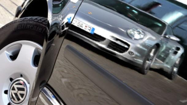 Porsche übernimmt die Mehrheit an VW