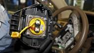 Deutsche Autobauer rufen 2,5 Millionen Fahrzeuge in Amerika zurück