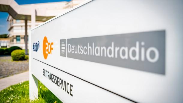 Karlsruhe entscheidet über Beschwerde von ARD, ZDF und Deutschlandradio