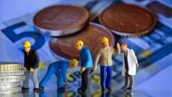 Die Tarifverdienste sind in Deutschland im vergangenen Jahr um durchschnittlich 2 Prozent gestiegen.