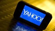 Yahoo kann mit den großen Wettbewerbern nicht mehr mithalten und stellt sich zum Verkauf.