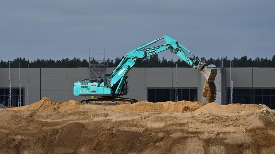 Die Arbeiten zum Bau der Tesla-Fabrik in Grünheide schreiten voran.