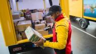 Die Deutschen verschicken immer mehr Pakete.