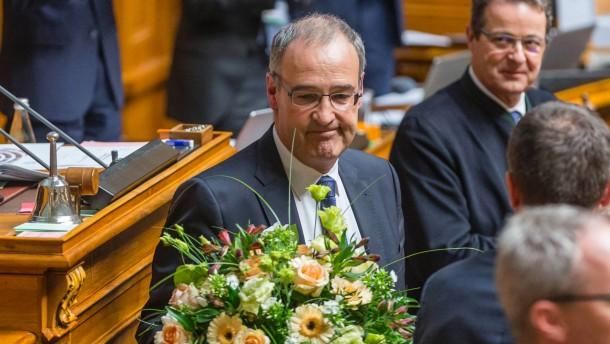 Schweizer Regierung mit zwei Nationalkonservativen gewählt