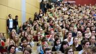 Viele Studenten – die OECD freut's