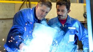 Arbeitsmarkt kann 350.000 Flüchtlinge aufnehmen