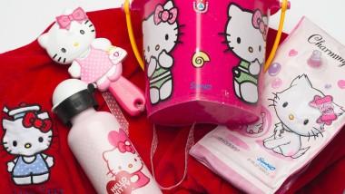 Katze oder nicht? Kinder stehen auf Hello Kitty.