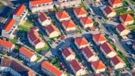 Wohnhäuser in Berlin: Viele Kommunen erhöhen die Hebesätze.