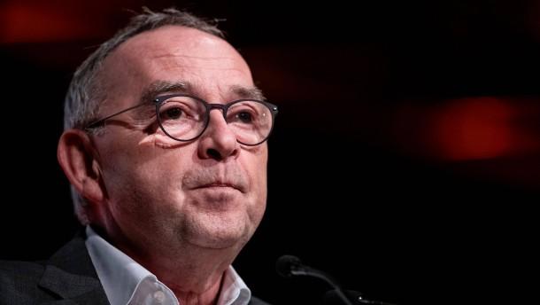 SPD-Chef hält höhere Steuern für unvermeidbar