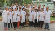 "Immer nur lächeln: Der dritte Studentenjahrgang der ""Vietnamese German Medical Faculty""."