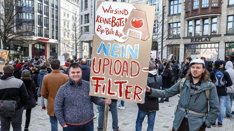 Demonstranten waren vor zwei Jahren schon erbost über die Urheberrechtspläne.