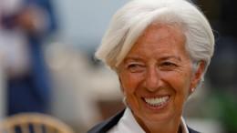 Lagarde geht auf Frankfurts Banker zu