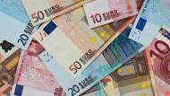Der Staat schwimmt in Geld