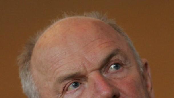 Korruption und Lustreisen - jetzt muss Ferdinand Piëch reden