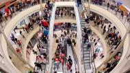 Der Verbraucher ist derzeit der wichtigste Impulsgeber für die deutsche Wirtschaft.