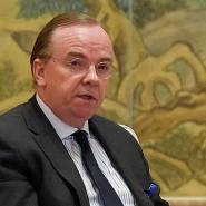 HSBC-Chef Stuart Gulliver hat im März den chinesischen Regierungschef Li Keqiang getroffen.