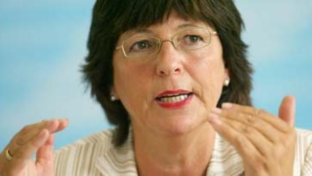 Kinderversicherung: Schmidt mischt sich ein