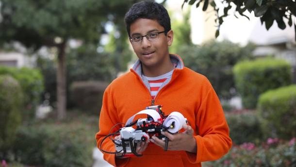 13-Jähriger entwickelt Lego-Drucker für Blindenschrift