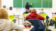 Schülerinnen und Schüler einer fünften Klasse einer Realschule in Baden-Württemberg (Symbolbild)