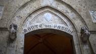 Die italienische Regierung will die Ersparnisse der Bürger schützen.
