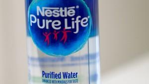 Nestlé mischt sein Wassergeschäft auf