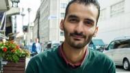 Modar Rabbat hat selbst einen Job gefunden, nun will er anderen Flüchtlingen dabei helfen.
