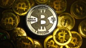 Der Bitcoin ist die bekannteste sogenannte Kryptowährung - eine echte Währung ist er gleichwohl überhaupt nicht.
