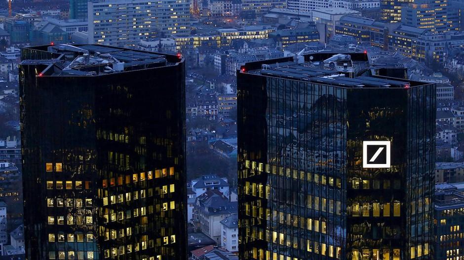 """Wirklich reich sind Kunden der Deutschen Bank künftig nicht, wenn sie """"nur"""" eine oder zwei Millionen Euro anzulegendes Vermögen haben."""