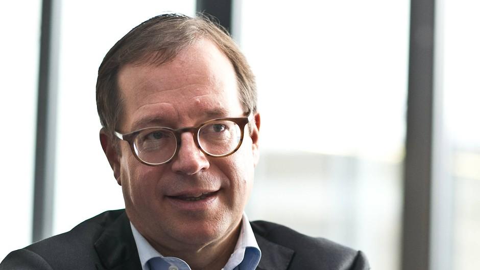 R+V-Chef Norbert Rollinger konnte sich lange durch eine große finanzielle Stabilität mehr Sicherheit für die Kunden leisten.