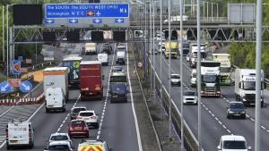 Großbritannien verbietet neue Benzin-Autos ab 2030