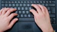 """Einen """"Keylogger"""" einzusetzen kann vor Gericht unwirksam sein."""