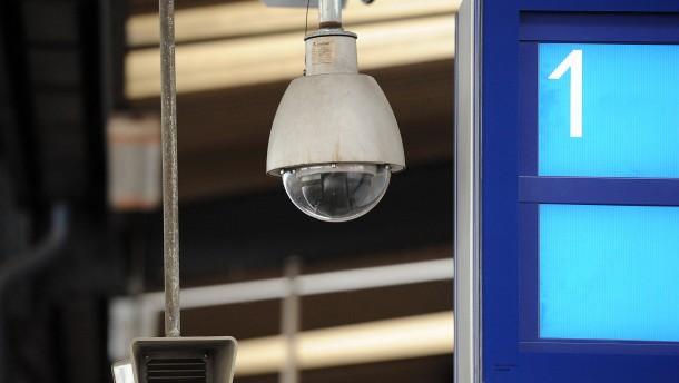 Überwachungskamera auf dem Bahnhof Bonn