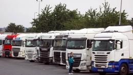 """Britische """"Pingdemie"""" bringt Unternehmen in Not"""