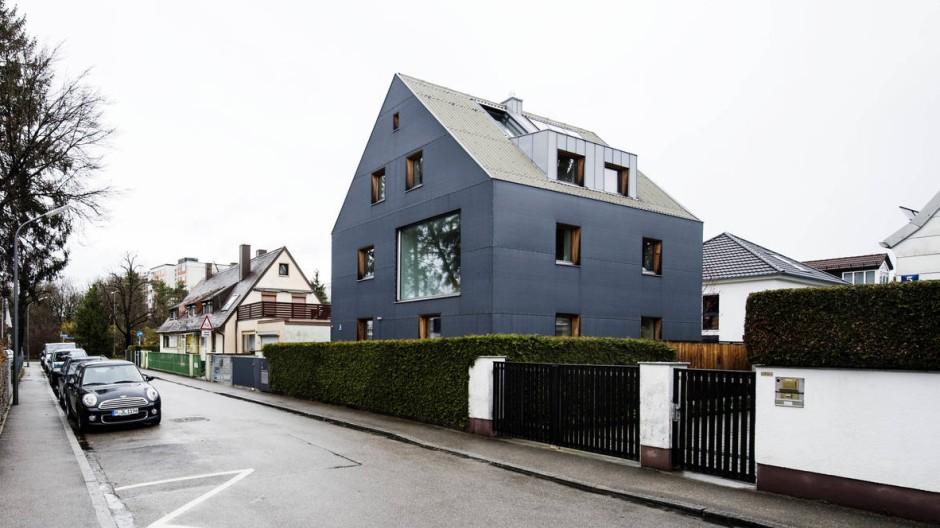 Mach mehr aus Deinem Typ! Ein einst verhuschter Bau aus den fünfziger Jahren hat sich in ein eindrucksvolles Wohnhaus verwandelt.