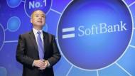 Softbank-Chef Masayoshi Son während der Pressekonferenz an diesem Montag.