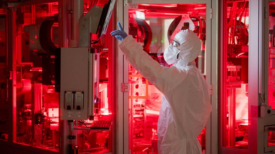 Auch in der Batteriezell-Produktion braucht es sogenannte Reinräume.