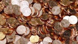 Französin bringt 30 Kilo Münzen zum Finanzamt