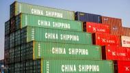 Im Containerhafen von Schanghai