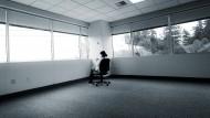 """Isoliert im Betrieb: Wer gemobbt wird, bekommt oft das entlegenste Büro zugewiesen, zynisch """"Sterbezimmer"""" genannt."""